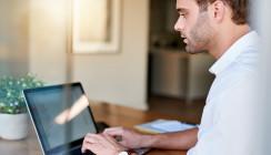Studie: Viele Männer mit hohem Bildungsabschluss im Homeoffice
