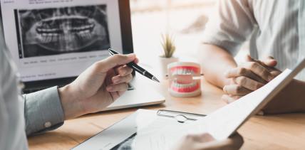 Gericht: Zahnersatz in Polen muss vorher genehmigt werden