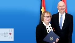 Bundesverdienstorden für Zahnärztin aus Brandenburg