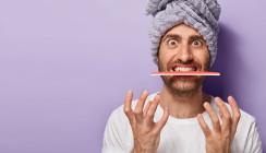 Rispel-raspel: TikTok User ruinieren sich Zähne mit Nagelfeile