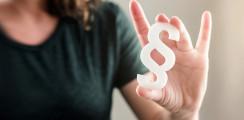 Durchgerasselt: Zahnärztin fordert von Uni 75.000 Euro