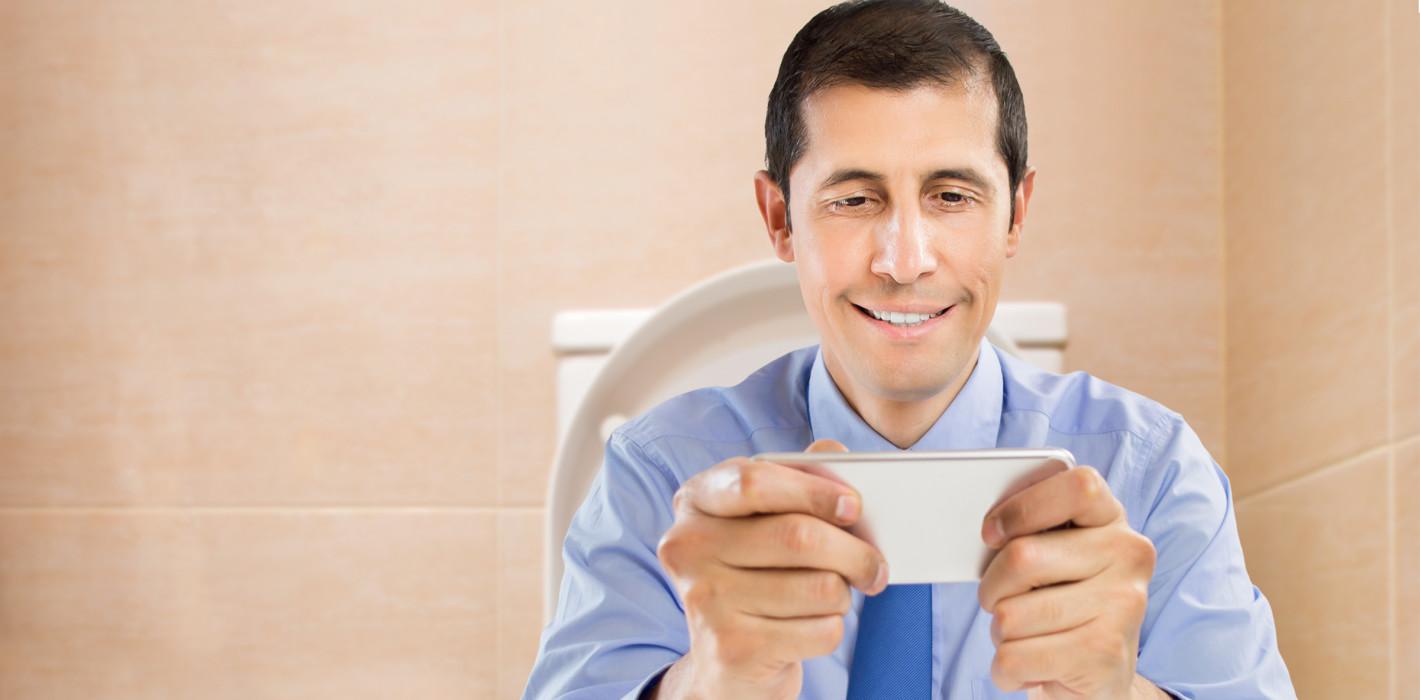 Jeder zweite Angestellte schummelt bei der Toilettenpause