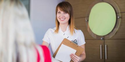Tiefgründiges Fachwissen: Fortbildung Dentalmanager/-in