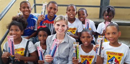 DH schickt Mundhygieneartikel über den Atlantik