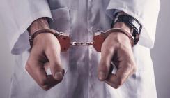 Polizei nimmt Zahnarzt während Behandlung fest