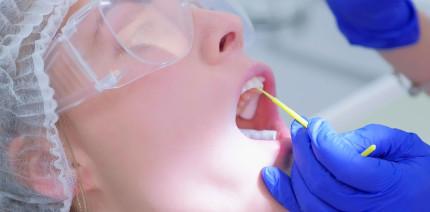 Fluorid-Maßnahmen beugen Wurzelkaries vor – aber welche?