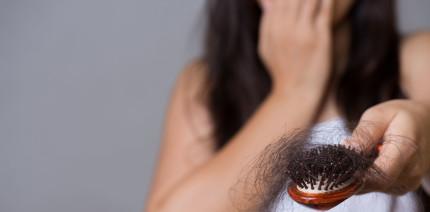 Jetzt wird's haarig: Bei Haarausfall zum Zahnarzt?