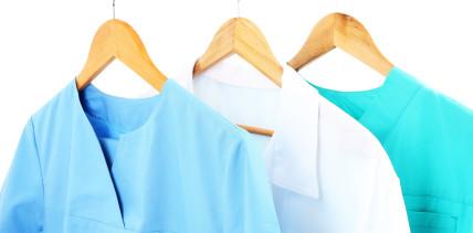 Einheitlichkeit: Chef darf Arbeitskleidung vorschreiben