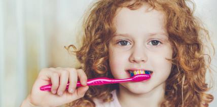 Neue Studie: Jedes fünfte Kind putzt zu selten seine Zähne