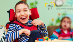 Spielerische Zahnpflege bei Kindern mit Handicap und Pflegebedarf