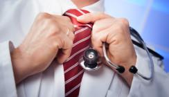 Du bist, was du trägst: Mediziner nur mit Kittel?