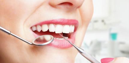 Fast eine Milliarde Euro zahlen Österreicher für Zahnarztleistungen