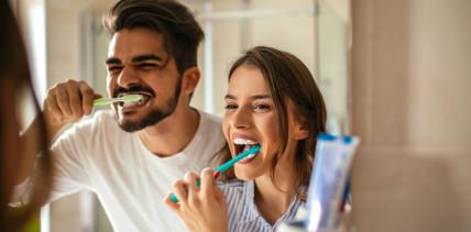 Frauen gehen häufiger zum Zahnarzt als Männer
