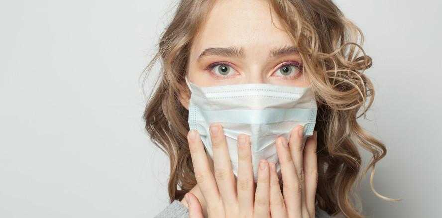 """""""Mask mouth"""": Karies und Parodontitis durch Mundschutz?"""