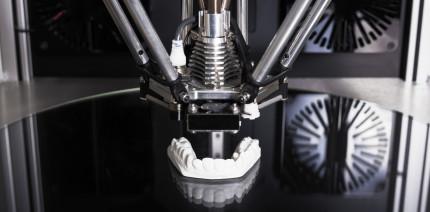 Aus dem Drucker: Mit Minifab 3D neue Zähne in einer Stunde