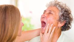 Häusliche Mundhygiene bei Senioren und Patienten mit Handicap