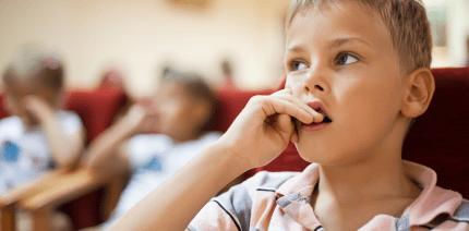 27 Fingernägel aus dem Zahnfleisch entfernt