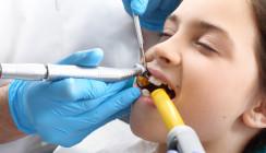 Zahnklinik Innsbruck: Lange Warteliste für OPs unter Narkose