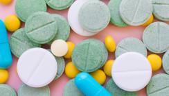 Opioide schlechter als NSAID und Paracetamol bei Zahnschmerzen