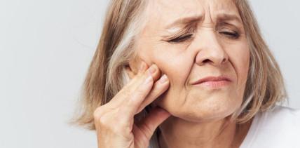 Wie wirksam sind Kortikosteroide bei oralem Lichen planus?