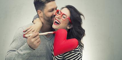 Liebe mit Biss: Schöne Zähne wichtiger als Bizeps & Co.