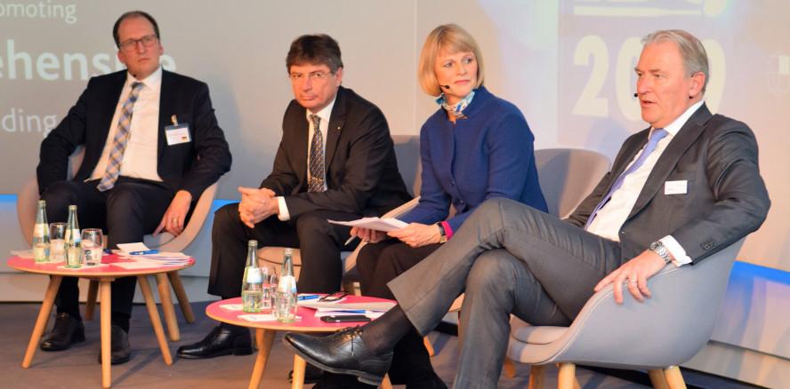 """Fachpressekonferenz zur IDS 2019: """"Immer eine Nasenlänge voraus"""""""