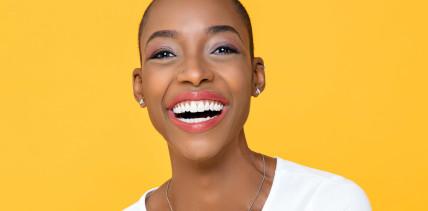 Die Mehrheit der Deutschen wünscht sich weiße Zähne