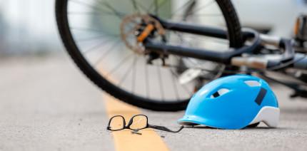 Ausgeschmuggelt: Radfahrer verliert bei Unfall nicht nur Zähne