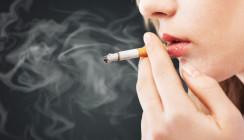 Rauchen verursacht 40 Millionen schwere Parodontitisfälle