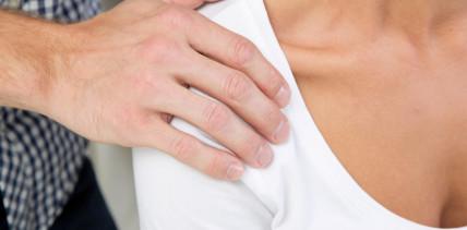 """""""Netter Ausschnitt"""": Steyrer Zahnarzt soll sexuell belästigt haben"""