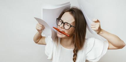 Wie dauerhafter Stress auch an Zähnen und Zahnfleisch nagt