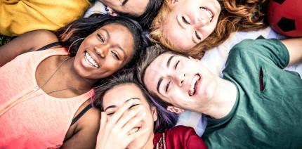 Tag der Zahngesundheit: Mundhygiene-Tipps für junge Menschen