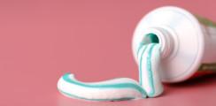 Risiko Triclosan: Osteoporose durch Zahnpasta?
