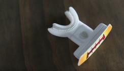 Kinderzahnbürste verspricht Spaß beim Zähneputzen