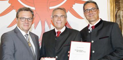 Verdienstkreuz des Landes Tirol für DDr. Elmar Favero