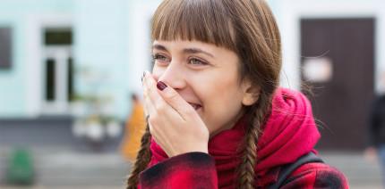 Aktuelle Umfrage: Jeder Fünfte findet seine Zähne nicht schön