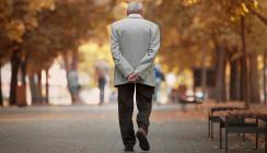 Mit 93 Jahren: Ist er der älteste praktizierende Zahnarzt der Welt?