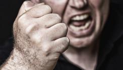 Zahnarztpraxis wird über ein Jahr von Patient terrorisiert