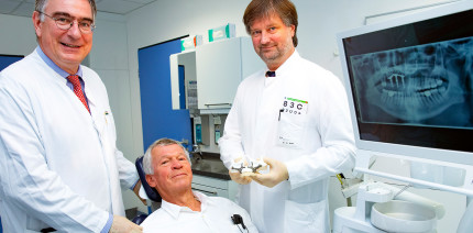 Fester Zahnersatz trotz massiven Knochenschwunds