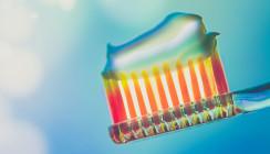 Zahnpasta als Viruskiller: Betrüger missbraucht Corona-Angst