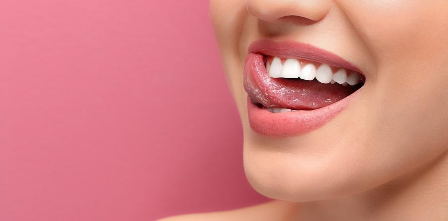 Zahnseide oder Interdentalbürste – Wer putzt besser?
