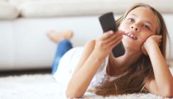 Forscher warnen: Zu hoher TV-Konsum schadet Kinderzähnen