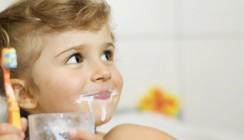 Kinderzahnpasta: Wie viel Fluorid sollte es sein?