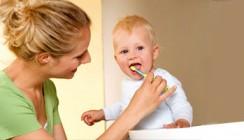 Die richtige Mund- und Zahnpflege von Anfang an