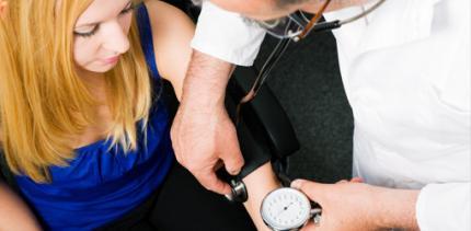 Ärztemangel: Blutdruckmessen beim Zahnarzt?