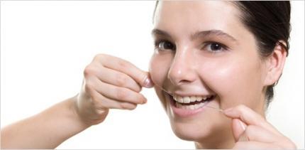"""""""Zahnseide ist eigentlich nur für Frontzähne geeignet"""""""