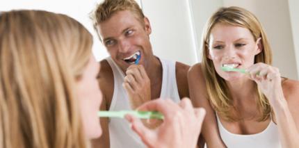 Aggressives Zähneputzen fördert Abrasionen
