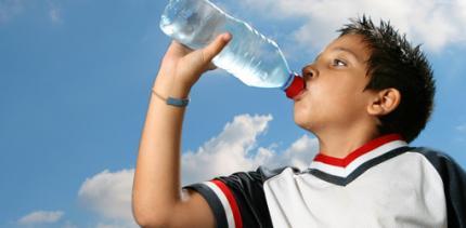 Wasser mit Fluorid gegen Zahnschäden