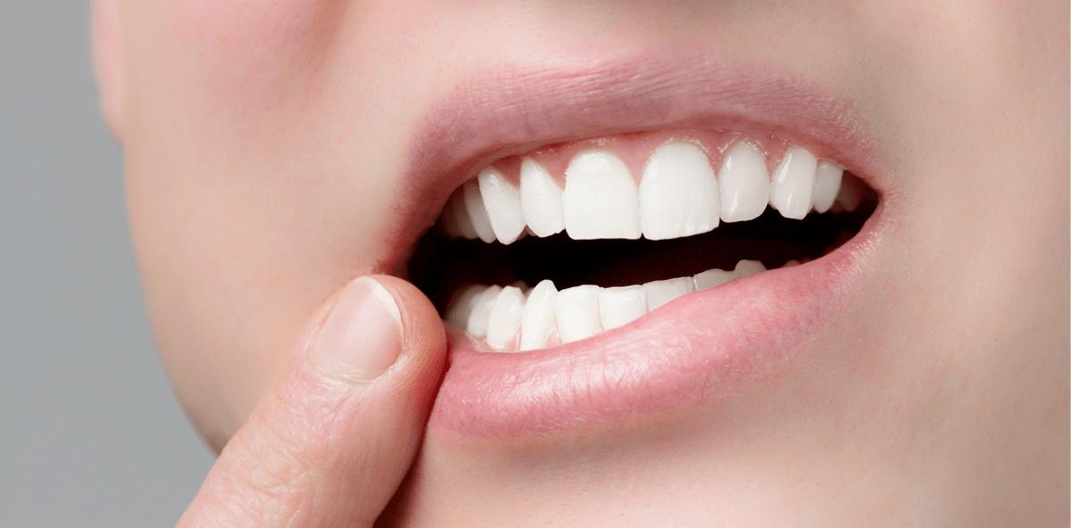 Durchsichtiges bläschen im mund