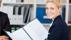 Probezeit & Co.: Hilfe bei Fragen rund um den ersten Arbeitsvertrag